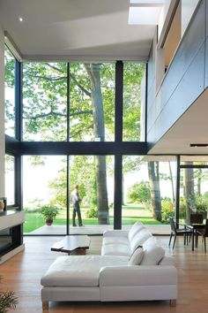 House on the Bluffs, Scarborough, Ontario, Taylor Smyth Architects. | More lusciousness at http://mylusciouslife.com/photo-galleries/inspiring-photos-fan-favourites/