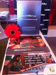 Luxeli con pañuelos Solidarios Marina Silk en TEDxValencia 22 junio 2013