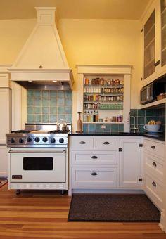 All Time Best Cool Ideas: Kitchen Decor Ikea Home kitchen decor on a budget butcher blocks. Retro Kitchen Decor, Kitchen Decor Themes, Kitchen Redo, Kitchen Styling, New Kitchen, Vintage Kitchen, Kitchen Remodel, Kitchen Ideas, Kitchen Paint