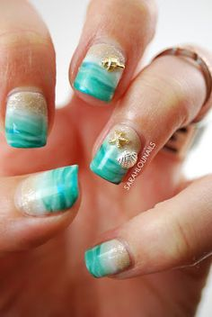 http://www.sarahlounails.com/2015/08/beach-nails.html