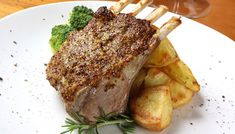 Meaty Main Course: Herb Crusted Rack of Lamb – 12 Tomatoes Lamb Recipes, Clean Recipes, Wine Recipes, Sunday Recipes, Supper Recipes, Lunch Recipes, Healthy Recipes, Lamb Dishes, Tasty Dishes