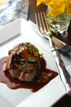 Beef Tenderloin Medallions with Madeira Wine Pan Sauce a great Father's Day Meal for Steak lovers! Beef Tenderloin Recipes, Steak Recipes, Sauce Recipes, Wine Recipes, Food Network Recipes, Roast Brisket, Pork Roast, Beef Medallions, Gastronomia