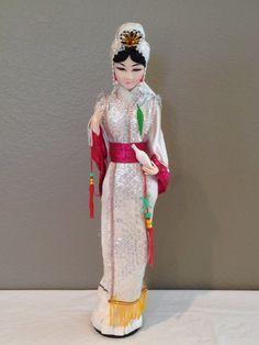 """Vintage tela japonesa grande cara muñeca 22"""" sobre soporte de madera = hermosa!!!"""