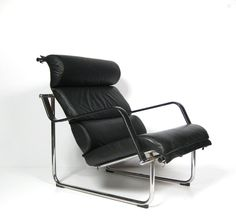 Yrjö Kukkapuro; Chromed Steel and Leather 'Remmi' Lounge Chair for Avarte, 1970.