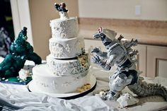 Godzilla Wedding Cake. My favourite from last Sunday's Sweets. Godzilla and MechaGodzilla are also edible. Check out the Wedding topper too!