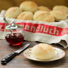 Good morning! I would like German broetchen for breakfast today!  Who is going to the bakery?