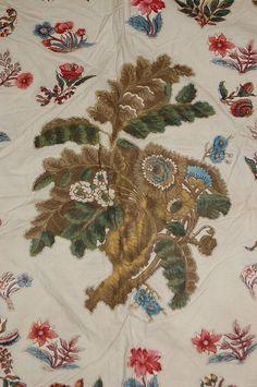 A fine patchwork coverlet, probably Welsh circa 182 : Lot 37 Old Quilts, Antique Quilts, Welsh, Central Square, Medallion Quilt, Vintage Fabrics, Textile Prints, Applique Designs, Vintage Antiques