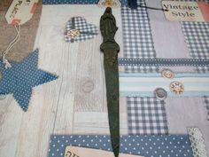 Jungfrau der Armen Banneux Bronze Gelbguss Brieföffner  Adelsbesitz
