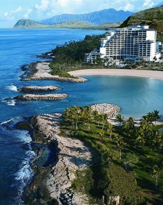 Hawaii island wedding venue: Four Seasons Resort Oahu at Ko Olina