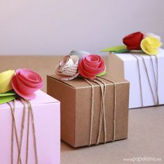Gift wrap | pretty gift wrap ideas | gift wrapping | paper flowers