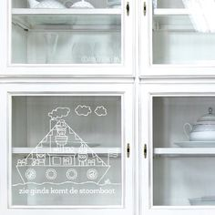 Create your own window drawing in just 5 steps! Draw on your window, glass door or actually it can be on any smooth transparent surface! In the shop you can find fun designs for every occasion! Print the design and draw it! Chalk Drawings, Window Dressings, Window Art, New Hobbies, Christmas Angels, Chalkboard, December, Sweet Home, Windows