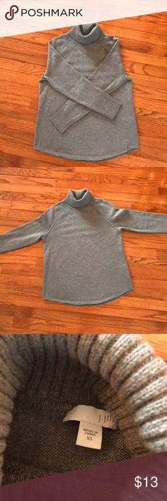 Crew loose fitting turtleneck Dry cleaned for care. Soft, warm, and comfortable J. Jill Sweaters Cowl & Turtlenecks