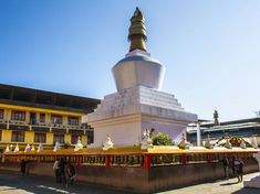 Here is the DIY Travel Guide to Gangtok, Sikkim in India. Truly an off the beaten track in the North Eastern part of India. Written by Vyjay of Voyager. Gangtok, India Tour, Adventure Activities, West Bengal, Tourist Places, Travel And Leisure, India Travel, Travel Guide, Tourism