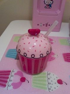 Does anyone have this sippy cup and the blue one for sale? I collect everything cupcake