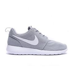 Roshe Run Trainer (3,835 THB) ❤ liked on Polyvore featuring shoes, sneakers, flats, white flat shoes, grey sneakers, gray flat shoes, grey flats and gray flats