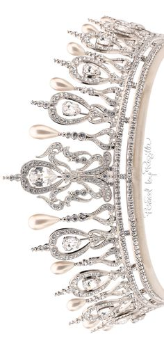 Regilla ⚜ The jewelry of Downton Abbey designed by Andrew Prince