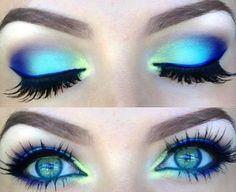 Colorful Eye Makeup, Eye Makeup Art, Natural Eye Makeup, Blue Eye Makeup, Skin Makeup, Blue Eyeshadow, Peacock Makeup, Makeup Eyeshadow, Fairy Makeup
