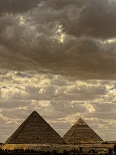Giza Clouds by sdhaddow, via Flickr