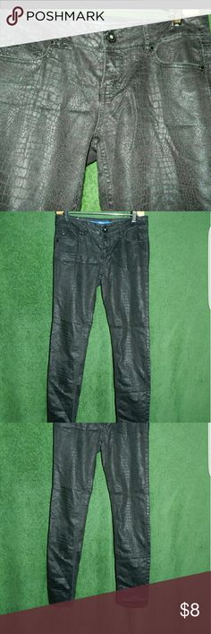Sapphire ink skinny sz 1 Black snake skin appearance like pants. Size 1. Skinny fit.  Not jeans they're are firm. Like jeans.  Can get actual material if interested but it's mainly cotton .  Minimal stretch. Sapphire ink  Pants Skinny