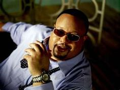 Fred Hammond- the best gospel music that ever pulled me through and still does til this day!