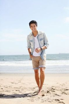 16 Hottest Men's Summer Fashion Trends This Season Outfit Chic Outfit Fall Outfit Nigth You are in the right place about Beach Outfit for pictures Here we offer you the most beaut Men's Summer Fashion Trends, Summer Fashion Outfits, Fashion Ideas, Beach Fashion, Fashion 2018, Summer Trends, Fashion Fashion, Fashion Dresses, Outfit Strand