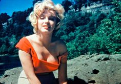 Marilyn fotografata da Allan Whitey Snyder all'Asta