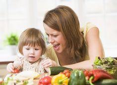 Basta ver um legume no prato que o seu filho fecha a boca? Confira respostas para algumas situações comuns do dia a dia