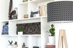 Koniczyna marokańska mała czarna – lampa podłogowa trójnóg House decorating inspiration - white built in shelving and storage