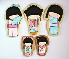 OMG cutest cookies ever!!!!  I want to make these so bad, but I have a feeling mine would turn out horrible compared to these. Lol