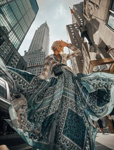 New York Fashion Week 2018 Photography Inspiration New York Fashion Week 2018 Artistic Fashion Photography, Fashion Photography Poses, Fashion Photography Inspiration, Fashion Poses, Photoshoot Inspiration, Editorial Photography, Street Photography, High Fashion Shoots, Photography Ideas