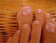 Uñas de los pies blancas