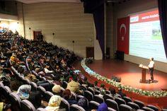 http://tokatta.com/nasuh-mahruki-tokatta/   AKUT Başkanı Nasuh Mahruki, Tokat Gazi Osman Paşa Üniversitesi Dağcılık Arama ve Kurtarma Kulübü ile Tokat Ekonomik Sosyal Kültürel Araştırmalar Derneği (TESKAD)'ın davetlisi olarak Tokat'a geldi.