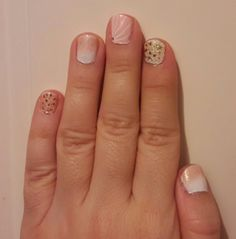 White pink romantic nailart