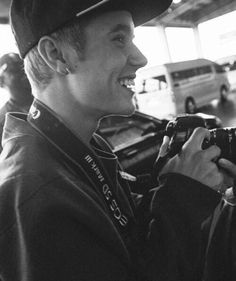 Read Random from the story Justin Bieber Imagines Part 2 by SpokenDream (𝔪𝔬 💕) with reads. Imagine Justin taking random pict. Justin Bieber Believe, Justin Bieber Photos, Bae, My Forever, My Crush, My Sunshine, Ariana Grande, Youtube, My Photos