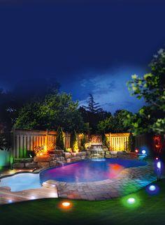 New Ein Sommernachtstraum Im Pool mit bunter Beleuchtung