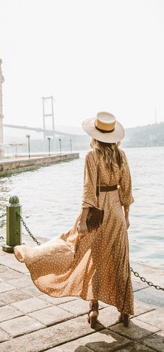I love this polka dot maxi dress so much Hippie Stil, Short Beach Dresses, Latest Fashion For Women, Womens Fashion, Oufits Casual, Maxi Wrap Dress, Looks Style, Mode Style, Spring Summer Fashion