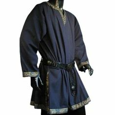 medieval clothing men tunic - Google Search I like this a lot.  If this and the green one could be the general style, I would love that.  Also, the trim is calmer, which is good.