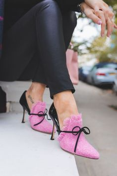 Pink Denim Loafers for Women Pointy Toe Spool Heels Pumps with Bow for Date, Anniversary, Going out, Hanging out Manolo Blahnik Schuhe, Cute Shoes, Me Too Shoes, Hot Heels, Pink Heels, Crazy Shoes, Stilettos, Beautiful Shoes, Fashion Shoes