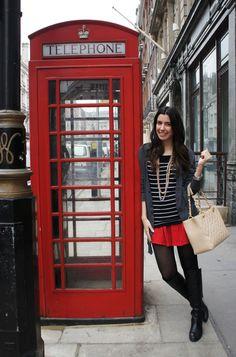 E antes de ir embora de Londres ,como boa turista estreante, não poderia deixar de fazer um clique do lado da famosa cabine telefonica vermelha né?! hehehe Brega, eu sei! Confesso que já não aguentava mais as roupas da minha mala e usar bota preta + casaco preto e meia calça praticamente diariamente, mas tive …