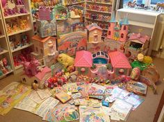 I am NOT a Brony.but what's more than My Little Pony? 1980s Childhood, Childhood Memories, My Little Pony Collection, Vintage My Little Pony, Toy Rooms, 80s Kids, Electronic Toys, Old Toys, Vintage Toys
