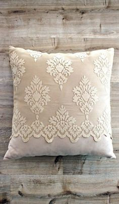Inspirational thoughts that we completely love! Diy Pillow Covers, Bed Covers, Cushion Covers, Sewing Pillows, Diy Pillows, Decorative Throw Pillows, Teen Bedroom Designs, Embroidered Cushions, Perfect Pillow