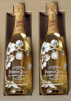 World's Most Expensive Champagne Beguiles Uber-Rich The limited edition box sets of Perrier-Jouet champagne will be priced at euros, according to French drink firm Pernod-Ricard. Expensive Champagne, Champagne Brands, Champagne Bottles, Champagne Taste, Tequila, Vodka, Whisky, Cocktail Original, Cocktails