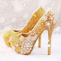 Kaliteli Malzemelerden El İşçiliğiyle Üretim Özel Günler için Moda Kadın Topuklu Ayakkabı Modelleri- IGD080611657