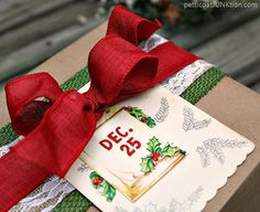 Vintage Inspired Christmas Gift Wrap Ideas