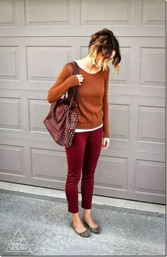 Mix & match garnet or orange pants, brown or camel shirt, gold or cream scarf, cream or beige sweater. Multiple outfits for one concept! Burgundy Outfit, Burgundy Pants, Red Pants, Orange Outfits, Orange Pants, Navy Pants, Soft Autumn Deep, Warm Autumn, Sweater Outfits