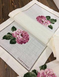 Cross Stitch Borders, Cross Stitch Patterns, Diy Embroidery, Cross Stitch Embroidery, Bargello, Needlepoint, Diy Crafts, Instagram, Cross Stitch Pictures