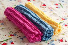 DIY: ribbed washcloths - Perfect crochet project for the beginner (ME). These make great gifts!