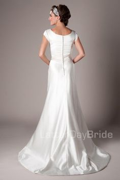 modest-wedding-dress-bennett-back.jpg