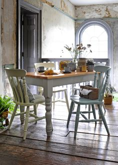 From The Cotswold Company | Free Delivery & Free Returns.   Tradional Country Style Kitchen Table Painted Grey with Farmhouse Style Painted Dining Chairs.