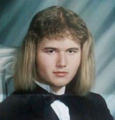 Say cheese!: The world's WORST yearbook photos range from strange to scary to just plain hilarious Funny Yearbook, Yearbook Pictures, Funny Pictures, School Pictures, Awkward Pictures, Fail Pictures, Boy George, 80s Haircuts, Awkward Family Photos